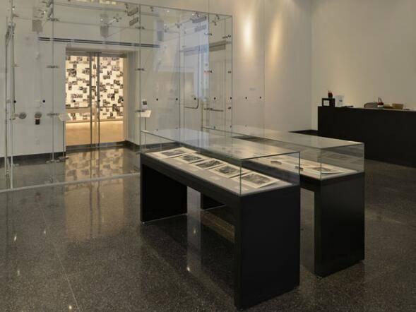 Museum Table top display case UDT-02 ujoydisplay