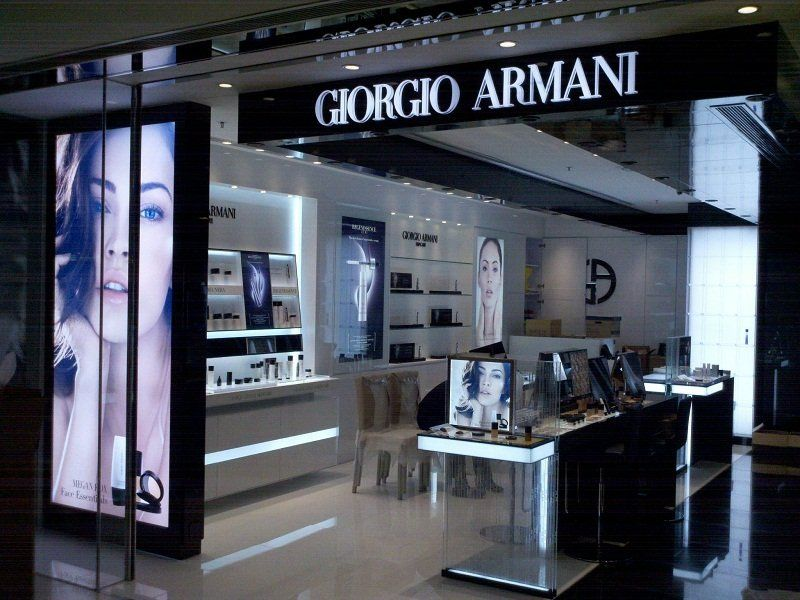 Perfume Store Design and Display Cabinet (10)
